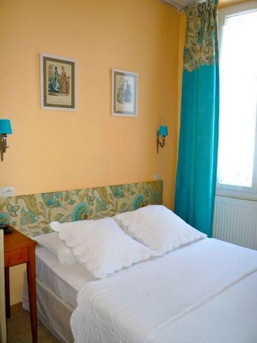 Les chambres bien équipées | Hôtel du Parc, Montélimar - Chambre ...