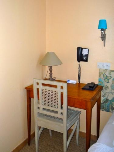 Les chambres bien équipées   Hôtel du Parc, Montélimar - Chambre ...